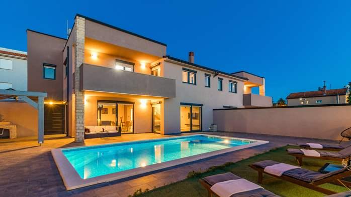 Unique, special villa in Valbandon with outdoor pool, 5