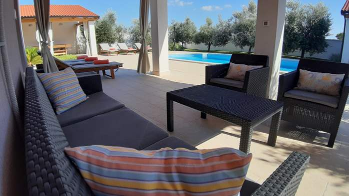 A wonderful family villa with an outdoor pool, on two floors, 7