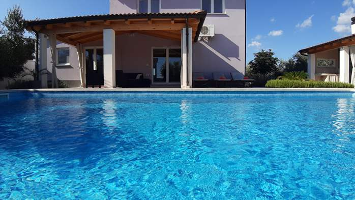 A wonderful family villa with an outdoor pool, on two floors, 3