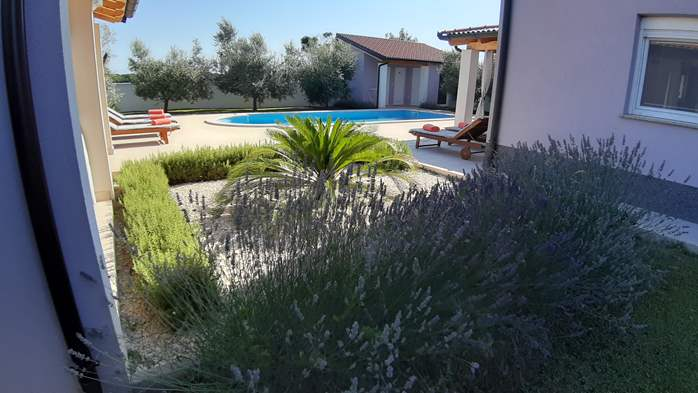 A wonderful family villa with an outdoor pool, on two floors, 12