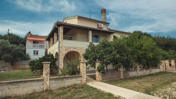 House in Ližnjan with parking offers suitable summer apartment, 13