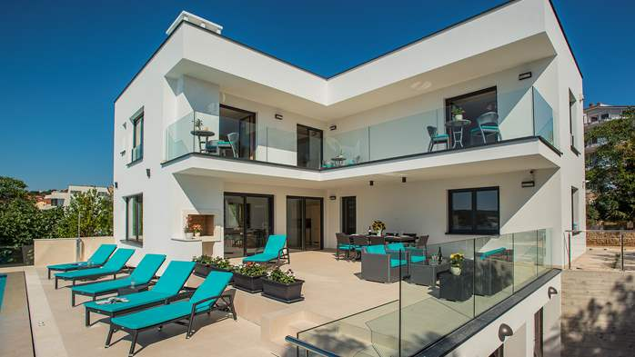 Enchanting villa in Pula with gorgeous pool directly on the beach, 11