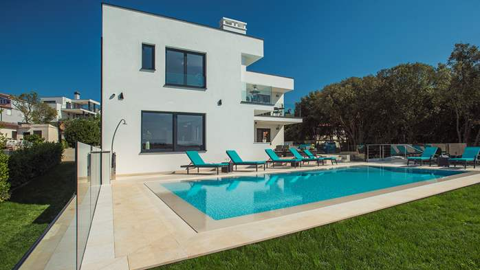 Enchanting villa in Pula with gorgeous pool directly on the beach, 12