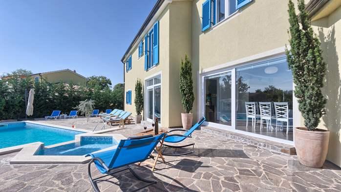 Attractive villa with 6 bedrooms, swimmingpool and Finnish sauna, 4