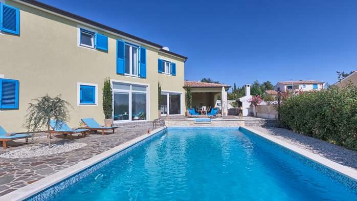 Attractive villa with 6 bedrooms, swimmingpool and Finnish sauna, 3