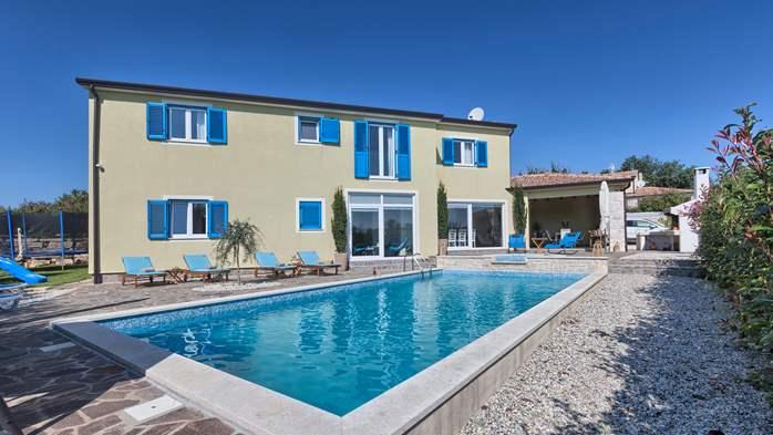 Attractive villa with 6 bedrooms, swimmingpool and Finnish sauna, 1