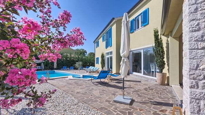 Attractive villa with 6 bedrooms, swimmingpool and Finnish sauna, 7