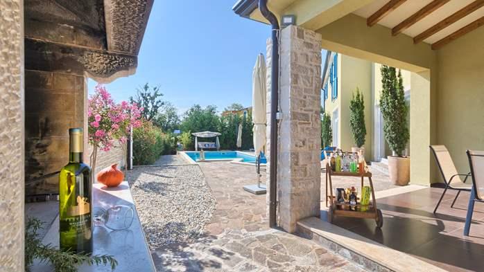 Attractive villa with 6 bedrooms, swimmingpool and Finnish sauna, 8