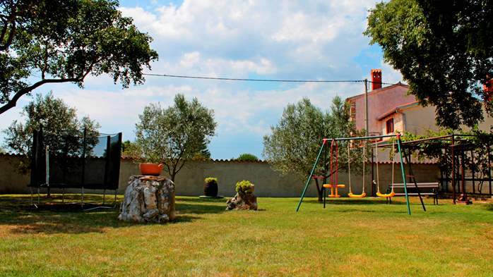 Comfortable house offers a children's playground, garden, Wi-Fi, 7