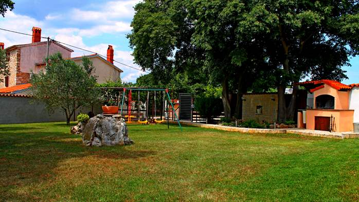Comfortable house offers a children's playground, garden, Wi-Fi, 6