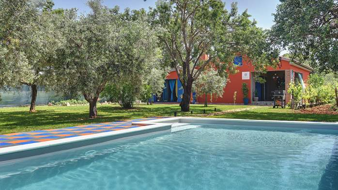 Irresistible house in Medulin with pool and private garden, 2