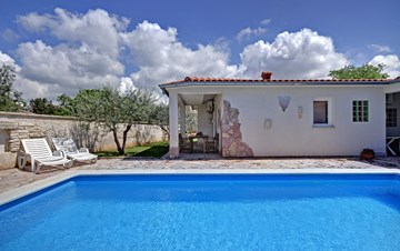 Villa in Pula, for 15 persons, with private pool and Wi-Fi
