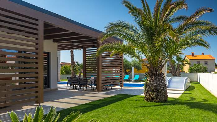 Luxury villa in Pula with heated pool and Jacuzzi for ten persons, 9