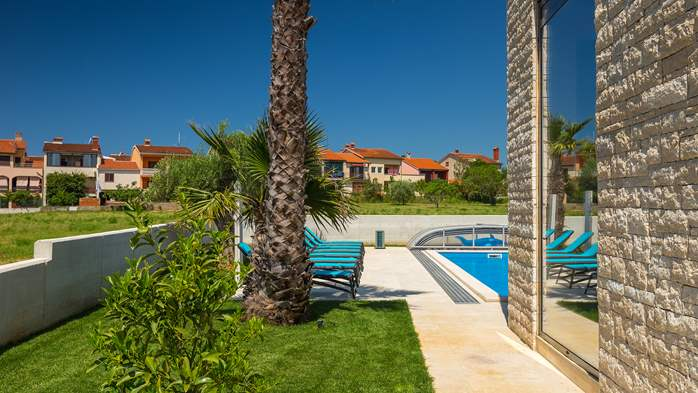 Luxury villa in Pula with heated pool and Jacuzzi for ten persons, 12