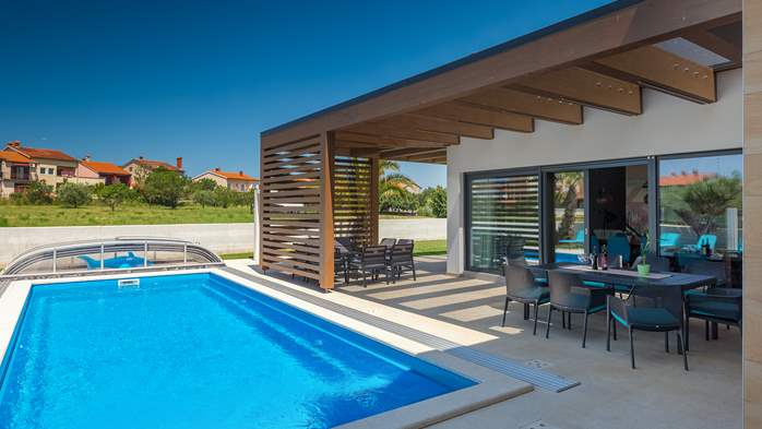 Luxury villa in Pula with heated pool and Jacuzzi for ten persons, 7