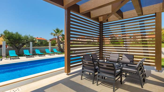 Luxury villa in Pula with heated pool and Jacuzzi for ten persons, 15