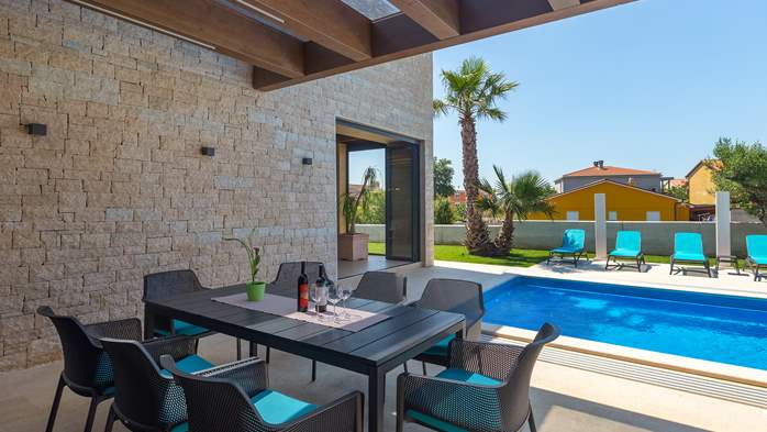 Luxury villa in Pula with heated pool and Jacuzzi for ten persons, 6