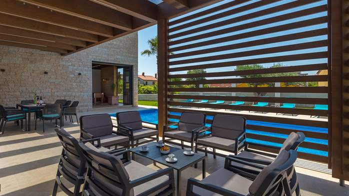 Luxury villa in Pula with heated pool and Jacuzzi for ten persons, 16