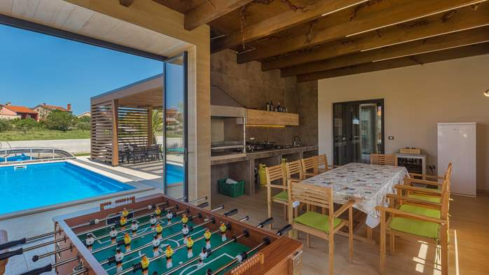 Luxury villa in Pula with heated pool and Jacuzzi for ten persons, 27