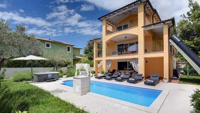 Lovely villa with pool, jacuzzi, sauna, gym and WiFi, 5