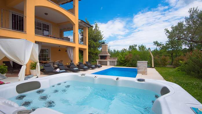 Lovely villa with pool, jacuzzi, sauna, gym and WiFi, 7