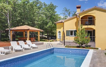 Beautiful two-storey villa with private pool for up to 8 people