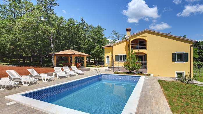 Beautiful two-storey villa with private pool for up to 8 people, 7