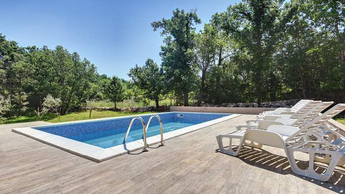 Beautiful two-storey villa with private pool for up to 8 people, 3
