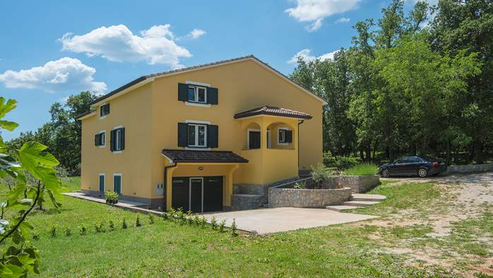 Beautiful two-storey villa with private pool for up to 8 people, 10