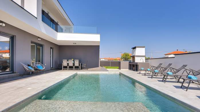 Modern villa with three bedrooms, an outdoor pool and WiFi, 7