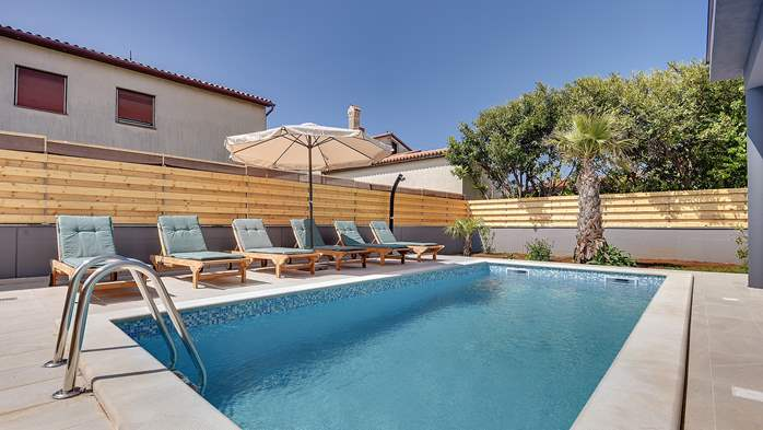 Lovely villa in a good location, with pool for up to 8 people, 3