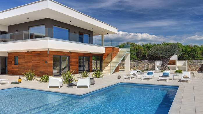 Exquisite villa for 12 people with private pool and Finnish sauna, 1