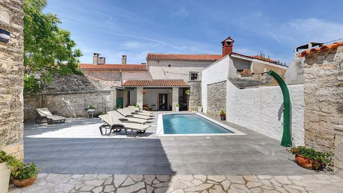 Istrian house renovated in a lovely villa with pool on 3 floors, 2