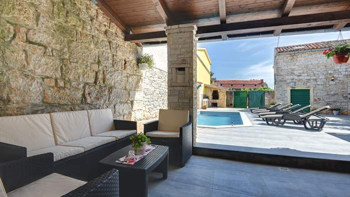 Istrian house renovated in a lovely villa with pool on 3 floors, 5