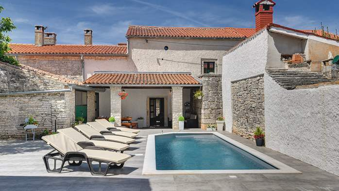 Istrian house renovated in a lovely villa with pool on 3 floors, 4