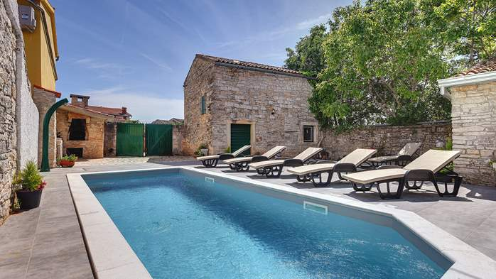 Istrian house renovated in a lovely villa with pool on 3 floors, 1
