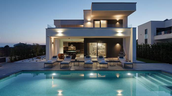 Modern villa in Pula, for 10 persons, offers a pool and sauna, 7