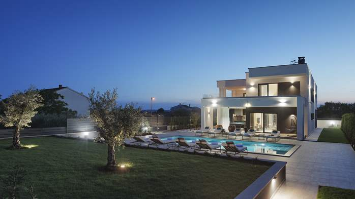 Modern villa in Pula, for 10 persons, offers a pool and sauna, 1