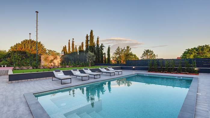 Modern villa in Pula, for 10 persons, offers a pool and sauna, 2