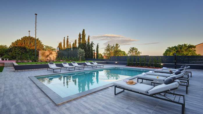 Modern villa in Pula, for 10 persons, offers a pool and sauna, 4
