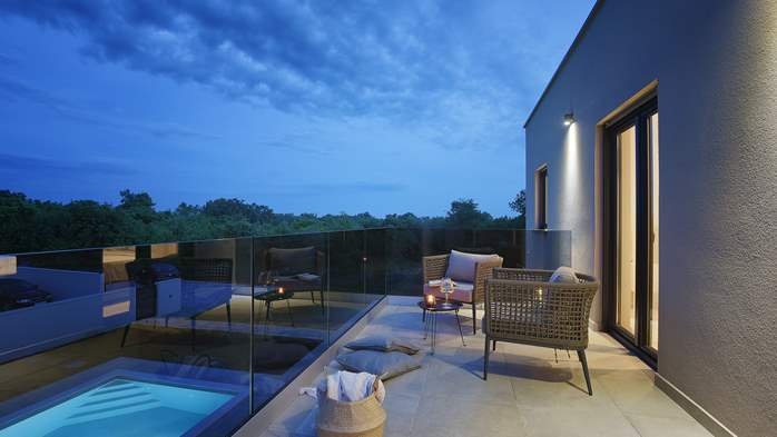 Beautiful villa for 6 persons with pool and outdoor kitchen, 7