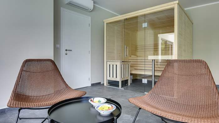 Modern villa with Finnish sauna and private pool for eight people, 13