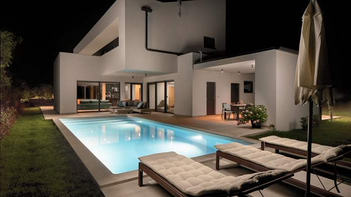 Modern villa with Finnish sauna and private pool for eight people, 1