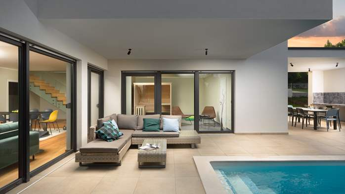 Modern villa with Finnish sauna and private pool for eight people, 7