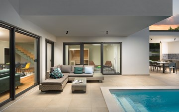 Modern villa with Finnish sauna and private pool for eight people
