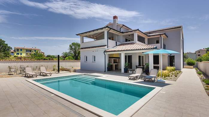 Villa with heated pool and crossfit hall in Premantura, 4