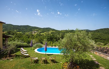 Traditional Istrian villa for 12 persons with private pool