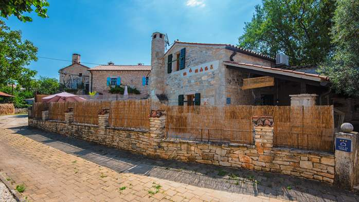 Beautiful stone house with swimming pool and terrace for 3 pax, 5