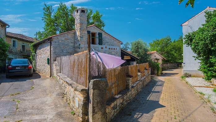 Beautiful stone house with swimming pool and terrace for 3 pax, 7