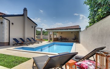 Romantic villa for 6 persons with private pool near Porec